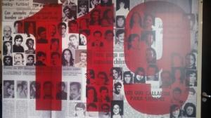 Exposição apresenta trabalhos de artista chileno que traz fotos de desaparecidos políticos chileno. Foto: Jorge Almeida